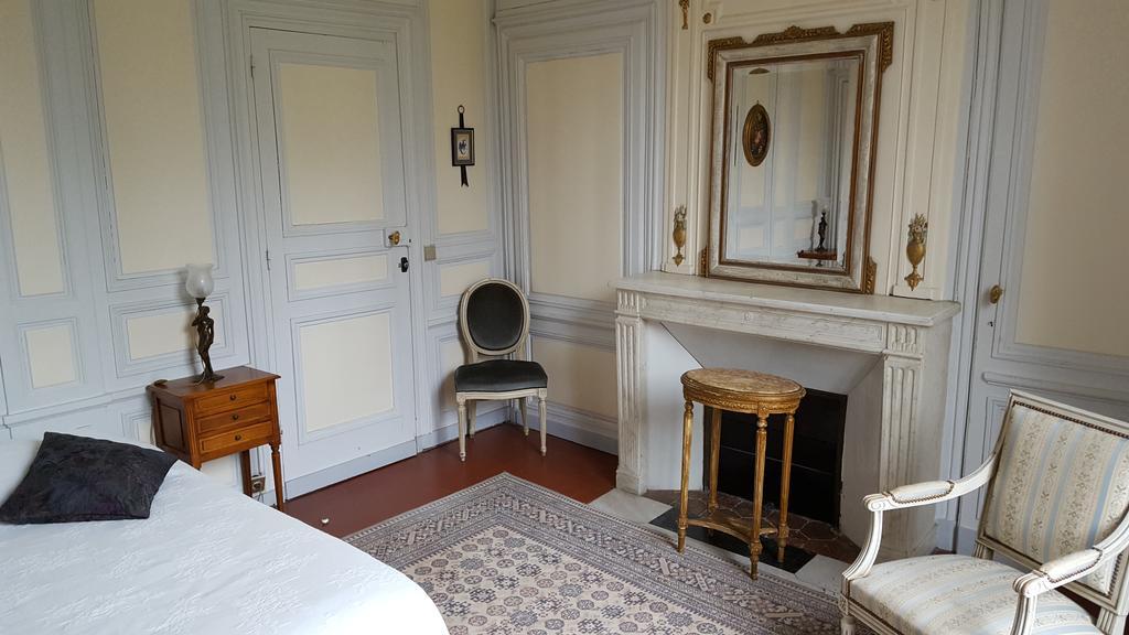 Chateau Rouillon d'Ales - Chambre Marie Antoinette