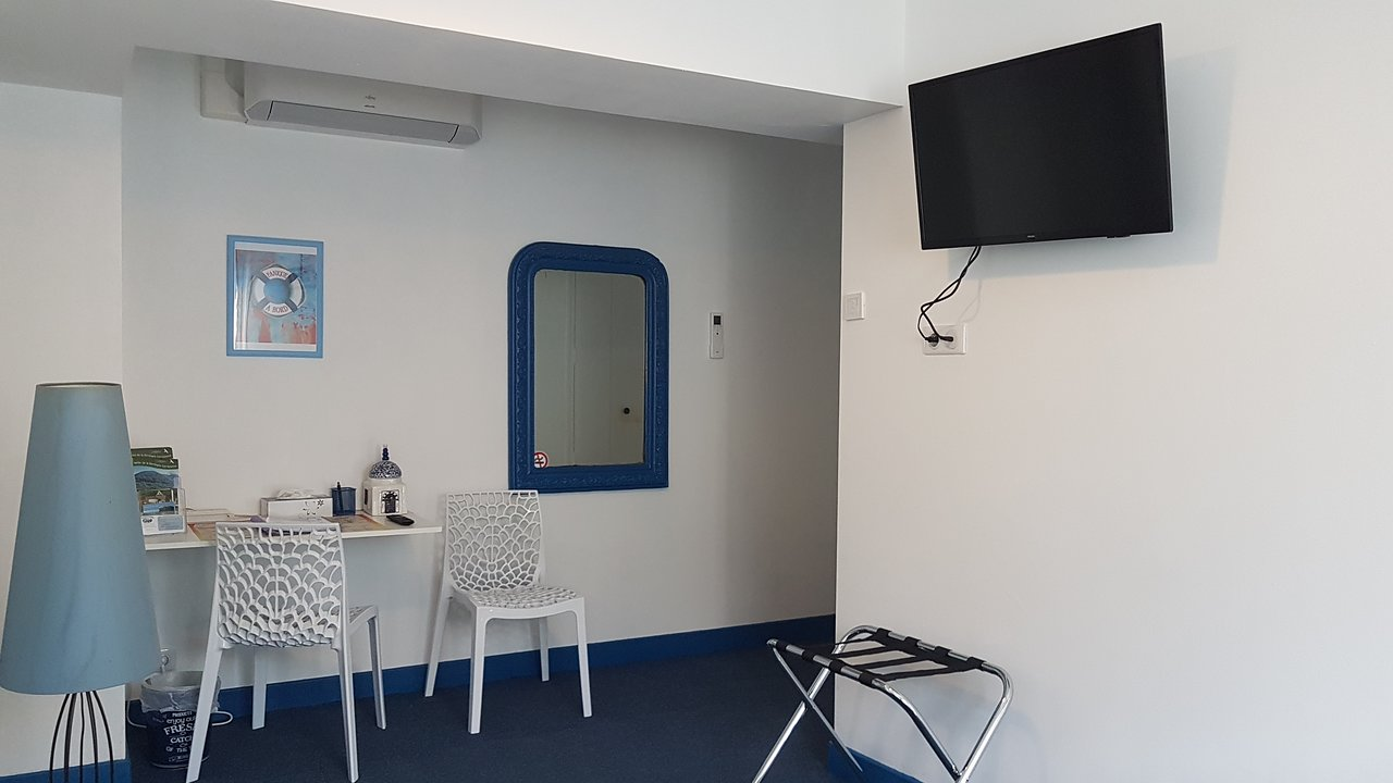 Chambre Bleu : television